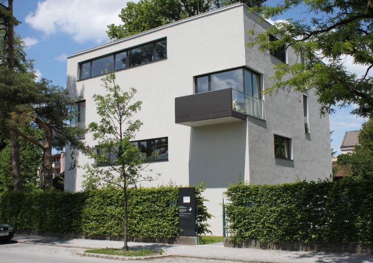 Gebäude Orthozentrum Salzburg - Orthopäde Dr. Planitzer
