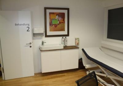 Behandlungsraum 2 Orthozentrum Salzburg Orthopäde Dr. Planitzer Alexander