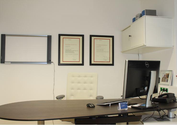 Behandlungsraum 3 Orthozentrum Salzburg Orthopäde Dr. Planitzer Alexander